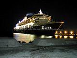 Queen Mary leaving Port Zante
